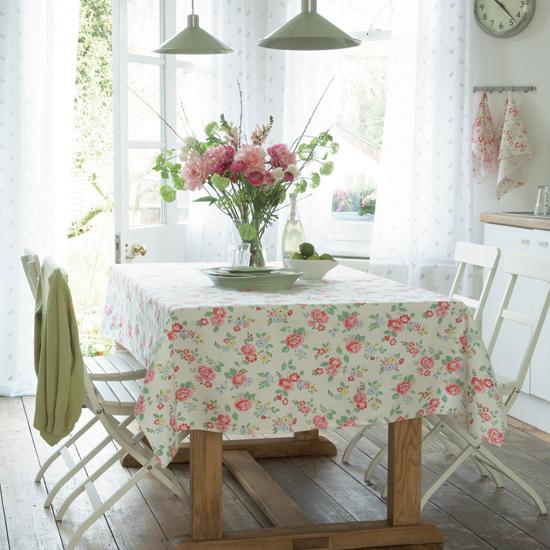 Dining-room-with-cath-kidston-fabric-via-housetohome