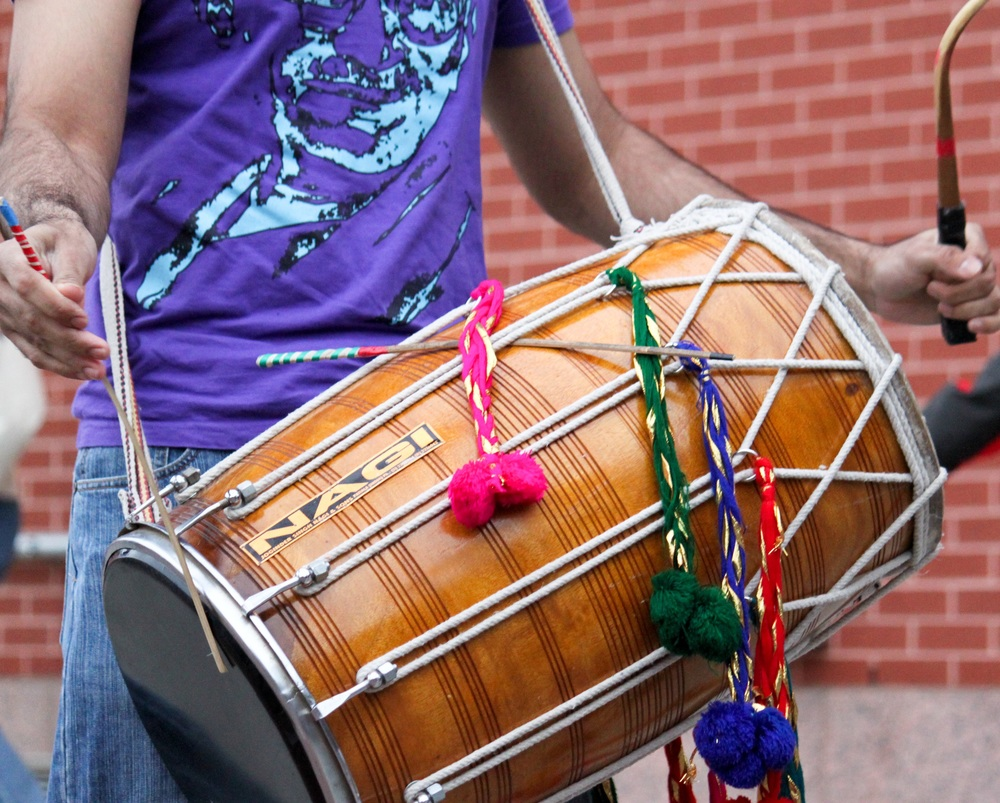 how to play the dhol for beginners