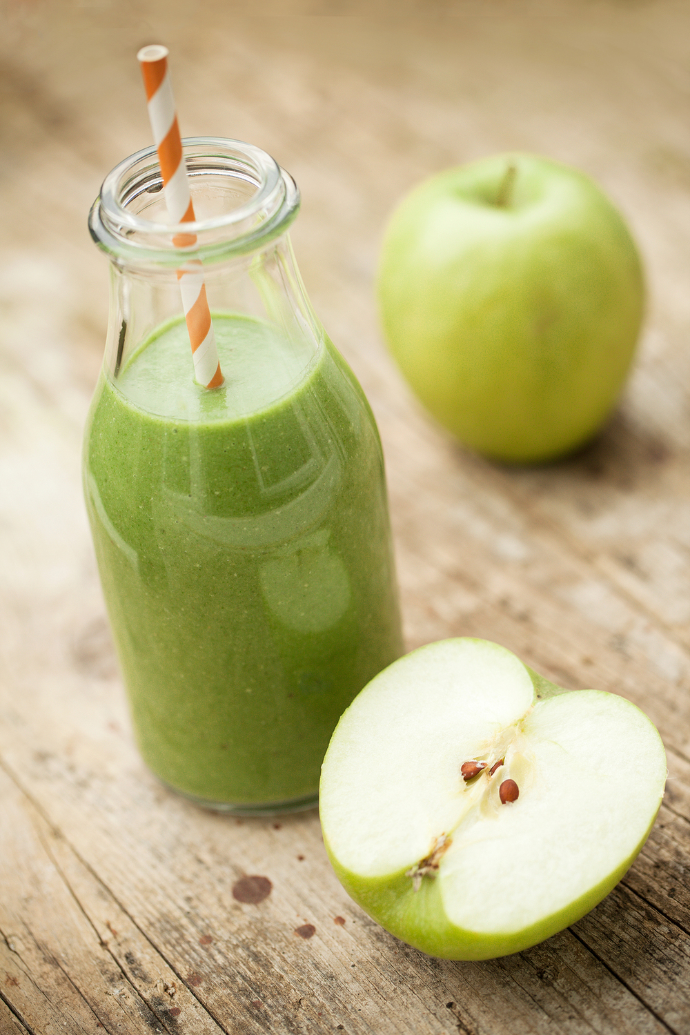 bigstock-Green-Smoothie-81572291.jpg