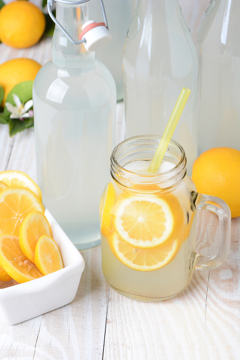 bigstock-Old-fashioned-sparkling-lemona-61849550.jpg