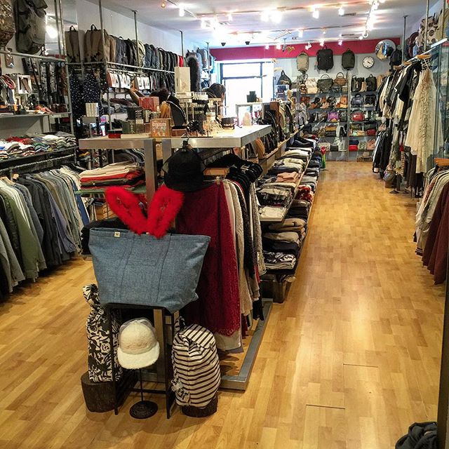 Getting the store ready for Black Friday. So fresh and so clean clean - OutKast #blackfriday • • • • • #standardissuenyc #sawtellejapantown #california #westla #nyc #stylewatcher #instafashion #fashion #instacool #instagood #style #streetwear #casual #boutique #slaycool #menswear #mensfashion #menwithstyle #womenswear #womensfashion #stylebloggers #mensfashionblogs #dope