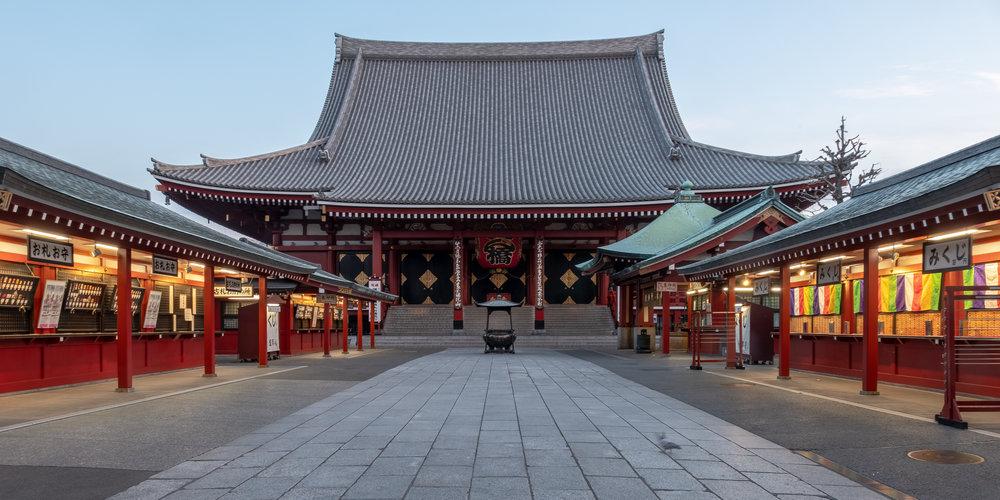 Tokyo Asakusa Sensoji temple buddhist morning kannon