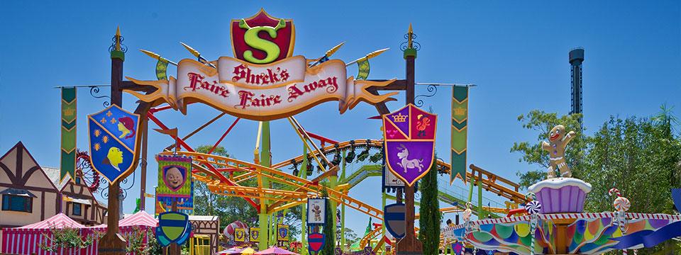 Shrek's Faire Faire Away precinct entry.