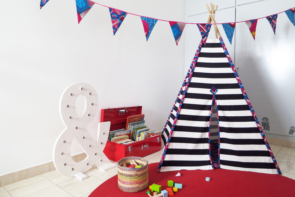 BLACK AND WHITE STRIPES WITH FUCHSIA AFRICAN WAX - TEEPEE.