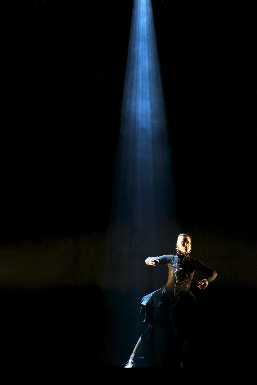 Compañía Kaari & Roni Martin - La Femme Rouge Photo: Sami Federley