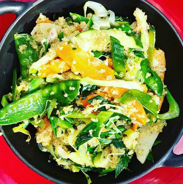 Fremover kan du vælge 100% plantebaserede frokostmåltider hvis din virksomhed har tegnet frokostordning hos os 🍆🌽🌶🍊... 100% plantebaseret er en valgmulighed til dem som ikke ønsker vores almindelige frokostmenu med kød & mælkeprodukter og til dig, det bare vil skippe kød en gang i mellem for at leve lidt mere grønt 🍴annes@gademad.dk for yderligere info 🍀🌱🌵 #gogreen #plantebaseret #plantbased #veggies #grønmad #sundhed #livsstil #frokostordning @frokost.dk #annesgademad #gademad #mesohungry