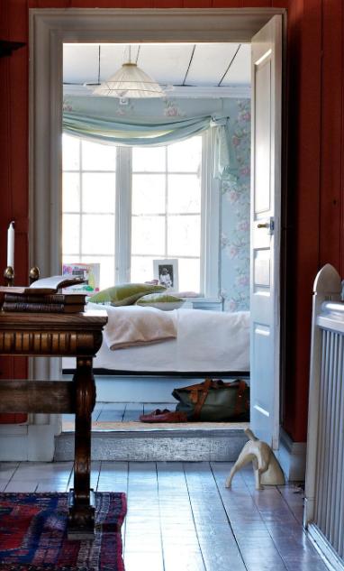 Bild tagen från in mot sovrummet Foto: Ken Pils/ Leva&Bo, Expressen