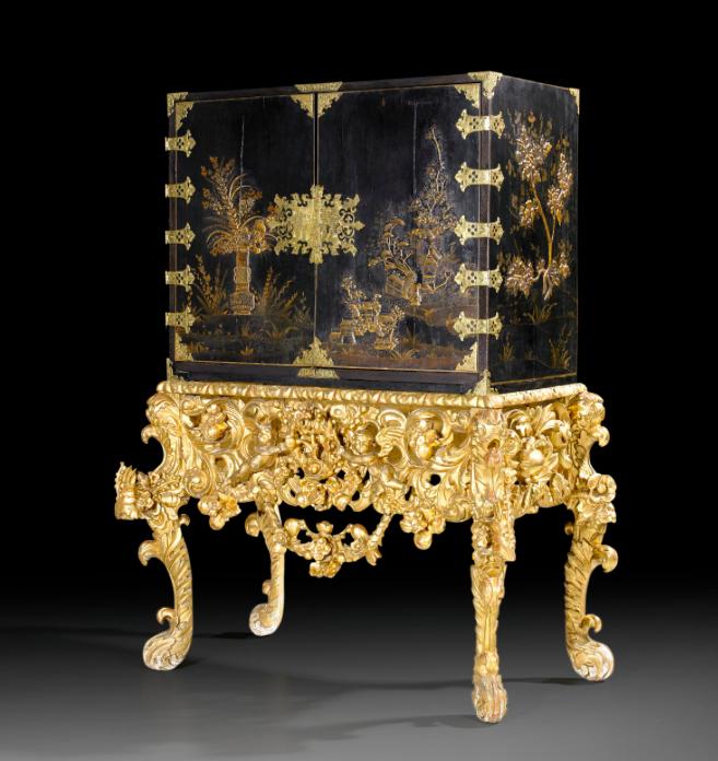 Kabinettskåp från 1680   Foto:  Stockholms Auktionsverk