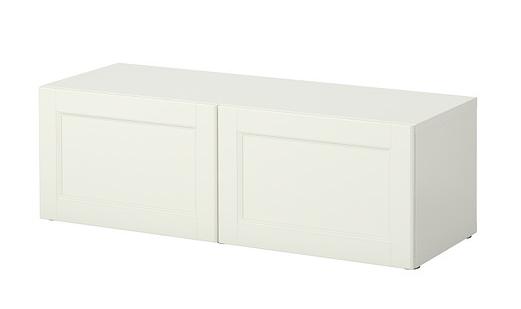 Förvaringsserien Bestå med dörrar Vassbo (perfekt förvaringsskåp under TV:n framförallt tillsammans med ben från  Superfront ).   Foto:  Ikea