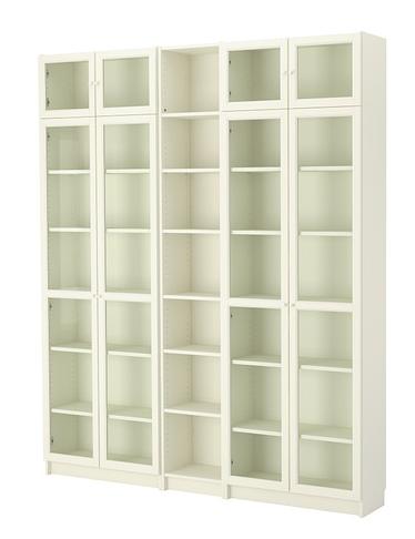 Bokhyllan Billy med glasdörrar och överskåp   Foto:  Ikea