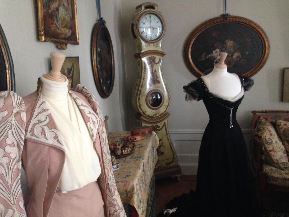Hildas vackra klänningar från Huset Worth   Foto:  Daniel Sandström