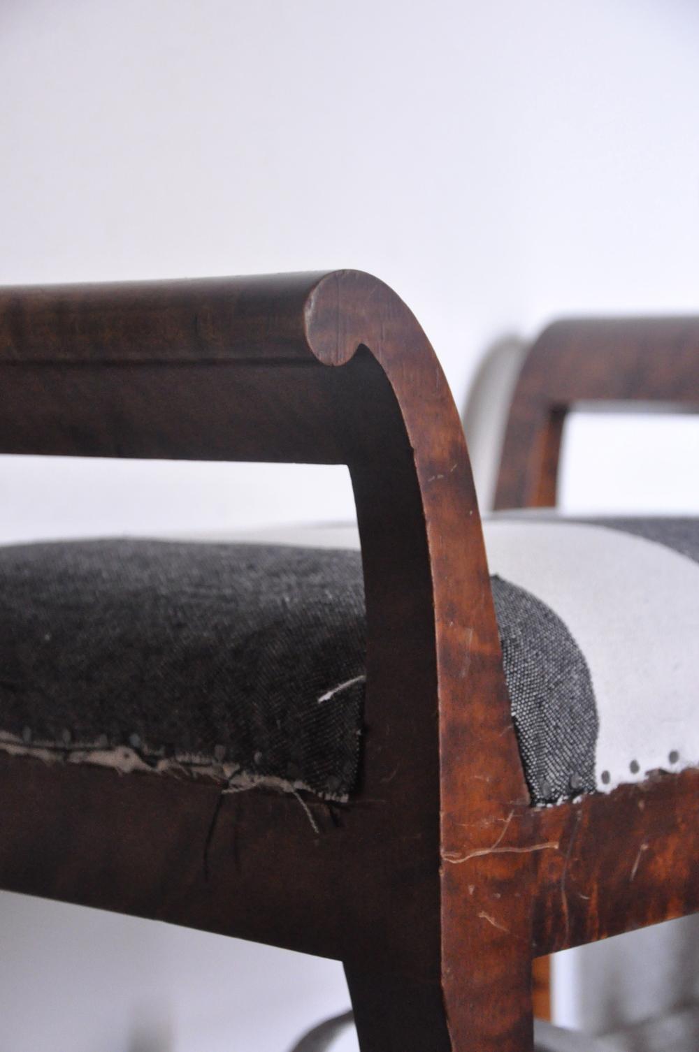 Det vanligast materialet att tillverka möbler i var mörk, blankpolerad mahogny    Foto:  Palatsliv