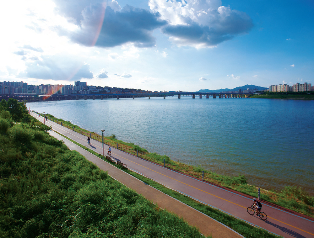 Han river path