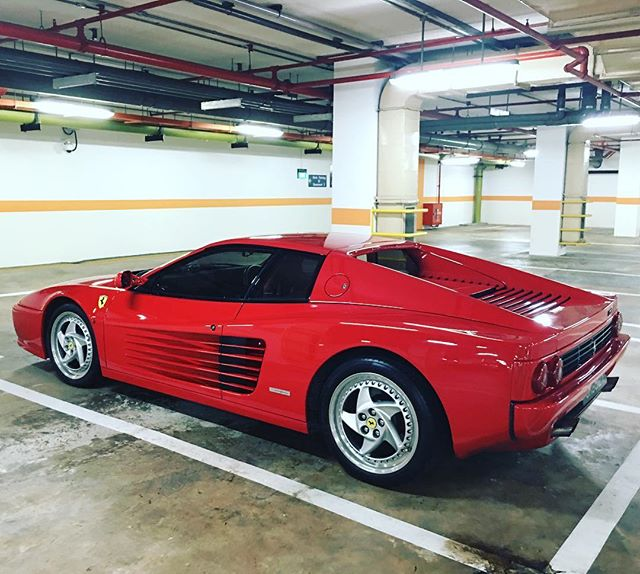 Hey there good looking 😍 #Testarossa #512M #luxglove @luxglove #lxgclassiccars