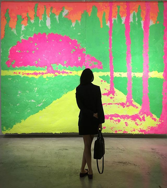 "HUGE 356cm X 458cm #neon #paperpulp #painting by #ShinroOhtake at @stpi_gallery / These colours make me happy. Ironically, the Japanese artist hates neon and wanted to push himself to work with what made him feel uncomfortable. / ""Born in #Tokyo in #1955, Shinro #Ohtake is one of #Japan's leading #contemporary #artists. Studies of #materiality, form and chance processes, his works encompass #drawings, #collages, #paintings and large-scale #assemblage pieces, as well as #architectural projects and the experimental noise bands JUKE/19 (1978-82) and Puzzle Punks. Begun in #1977, the ongoing series of #Scrapbooks forms the core of Ohtake's practice. He has made 68 unique books to date, ranging between 50 and 882 pages. The artist works on each book for several months to over a year, pasting found imagery and materials into fragmentary compositions on each page, and then adding hand-drawn and painted elements. Over time the books take on sculptural yet organic properties. A complete presentation of the Scrapbooks was shown at the 2013 Venice Biennale as part of the ""Encyclopaedic Palace."""