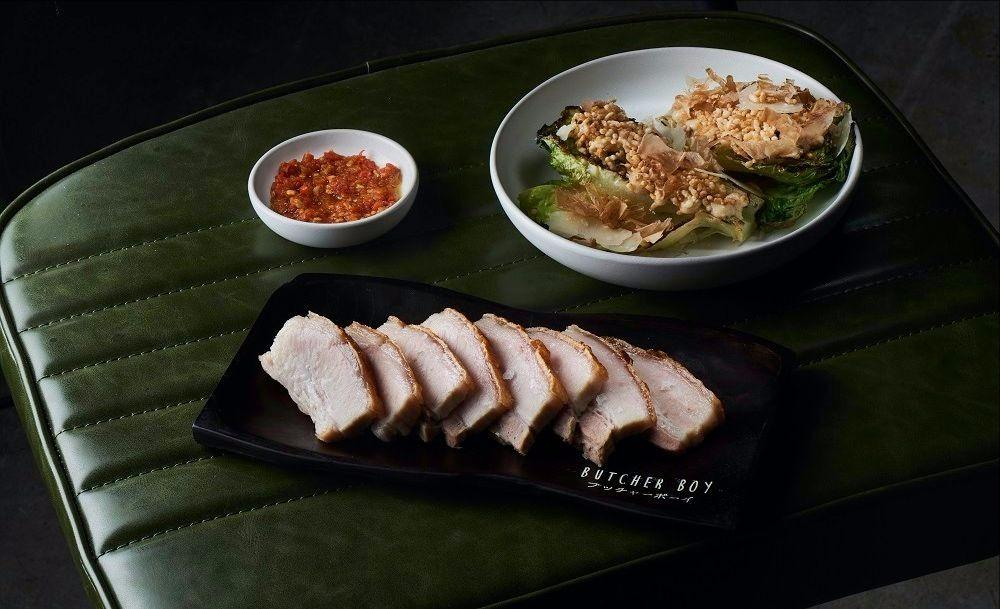 butcher_boy_crispy_pork_belly_32_burnt_lettuce_caesar_puffed_rice_bonito_8_sambal_sauce_0.jpg