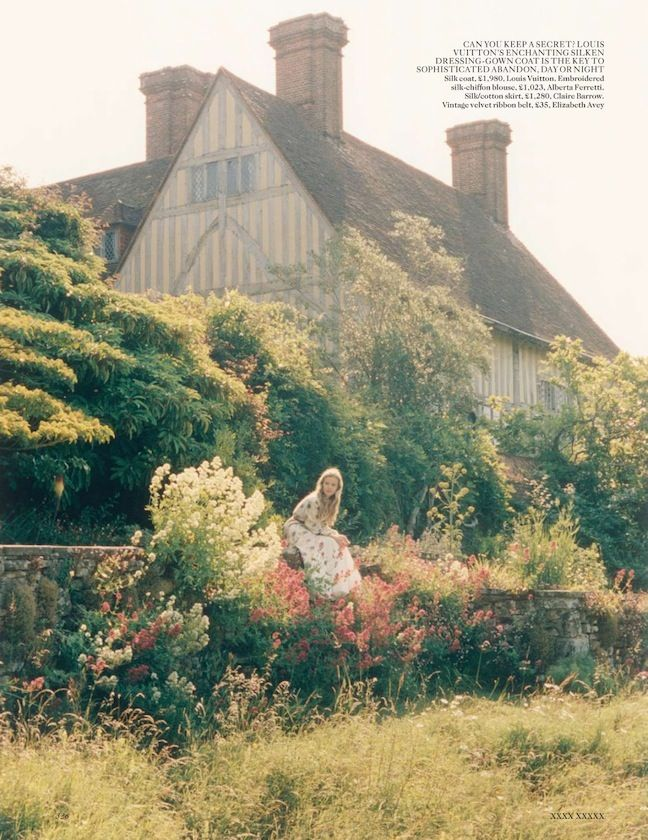 Dream a Little Dream Georgia May Jagger Venetia Scott Vogue UK Oct 13 5.jpg