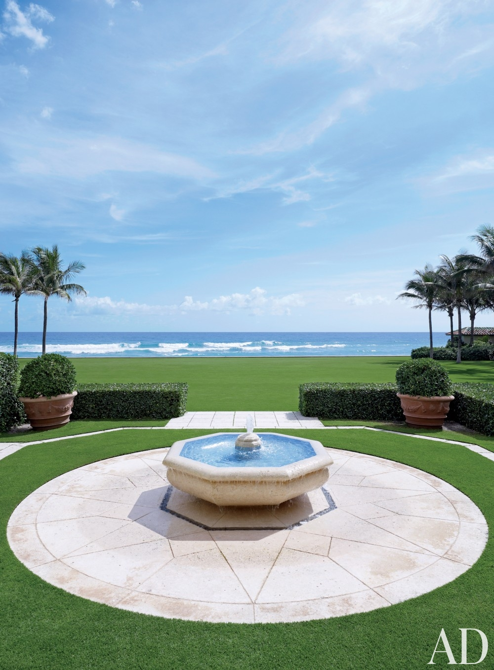 traditional-outdoor-space-david-easton-inc-palm-beach-fl-201411-3.jpg.jpg_1000-watermarked.jpg