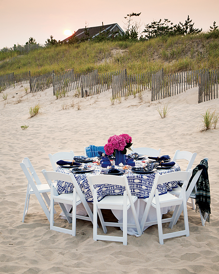 07-Summertime Inspiration | A Picnic on the Beach-This Is Glamorous.jpg