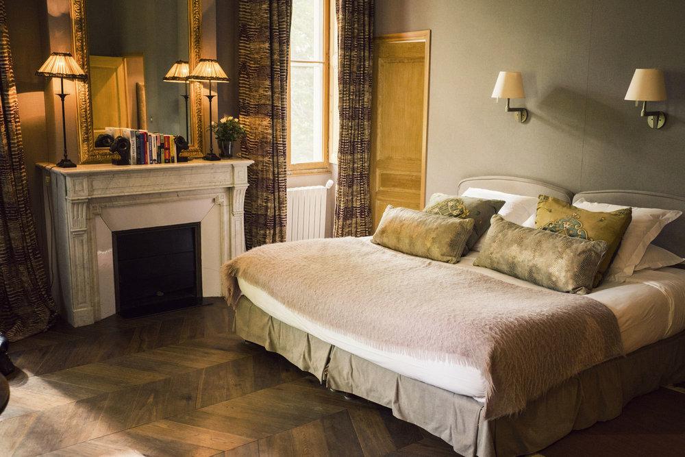 01-Chateau des Alpilles St Remy de Provence-This Is Glamorous.jpg