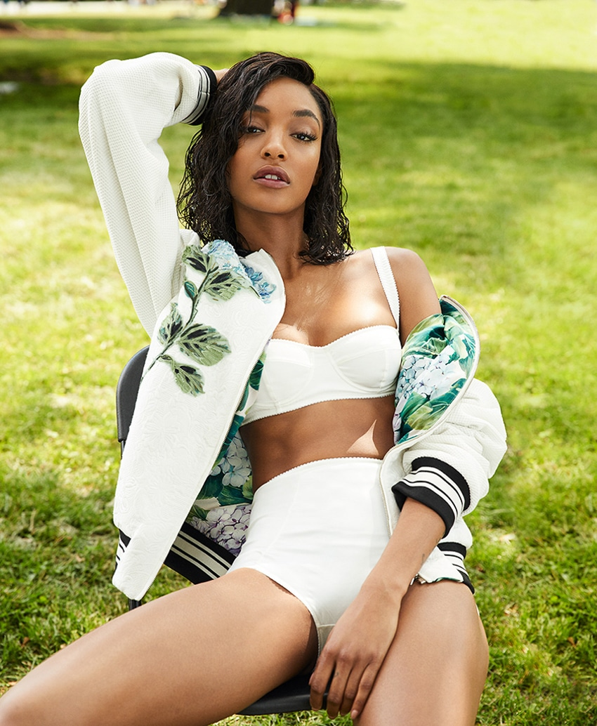 For this week's fashion inspiration, we're taking a look at British model Jourdan Dunn's shoot in the July 2017 of S Moda of which she is also the cover star. Photographed by David Roemer (Atelier Management), Dunn lounges about in summery looks from Miu Miu, Dolce & Gabbana and more ...
