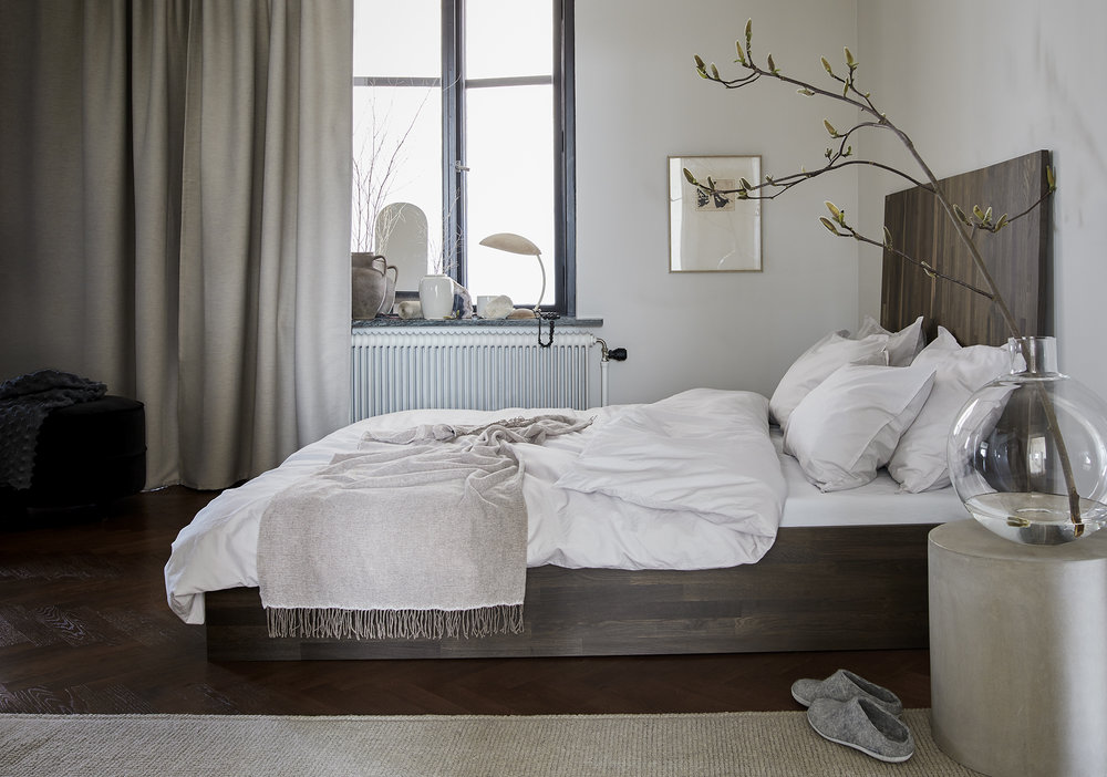 Aska Lt grey_bedroom_LU.jpg