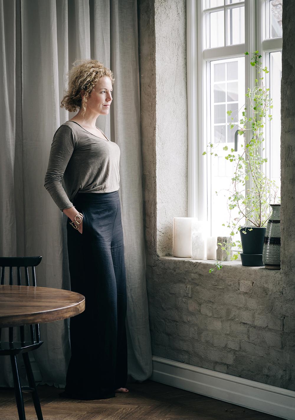 Daniella Witte_porträtt_helkropp_LU.jpg