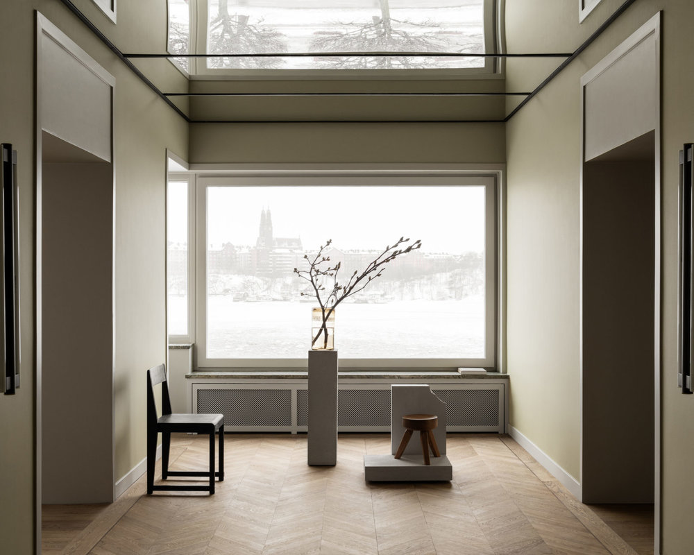 Installation! Arkitekten  Martin Löf  bjöd in till sin nya lägenhet där han tillsammans med  Frama  skapat en installation. Gillade speciellt rummet med speglar i taket.