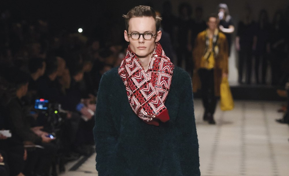 Burberry-hp-GQ-12Jan15_rex_b_1083x658.jpg