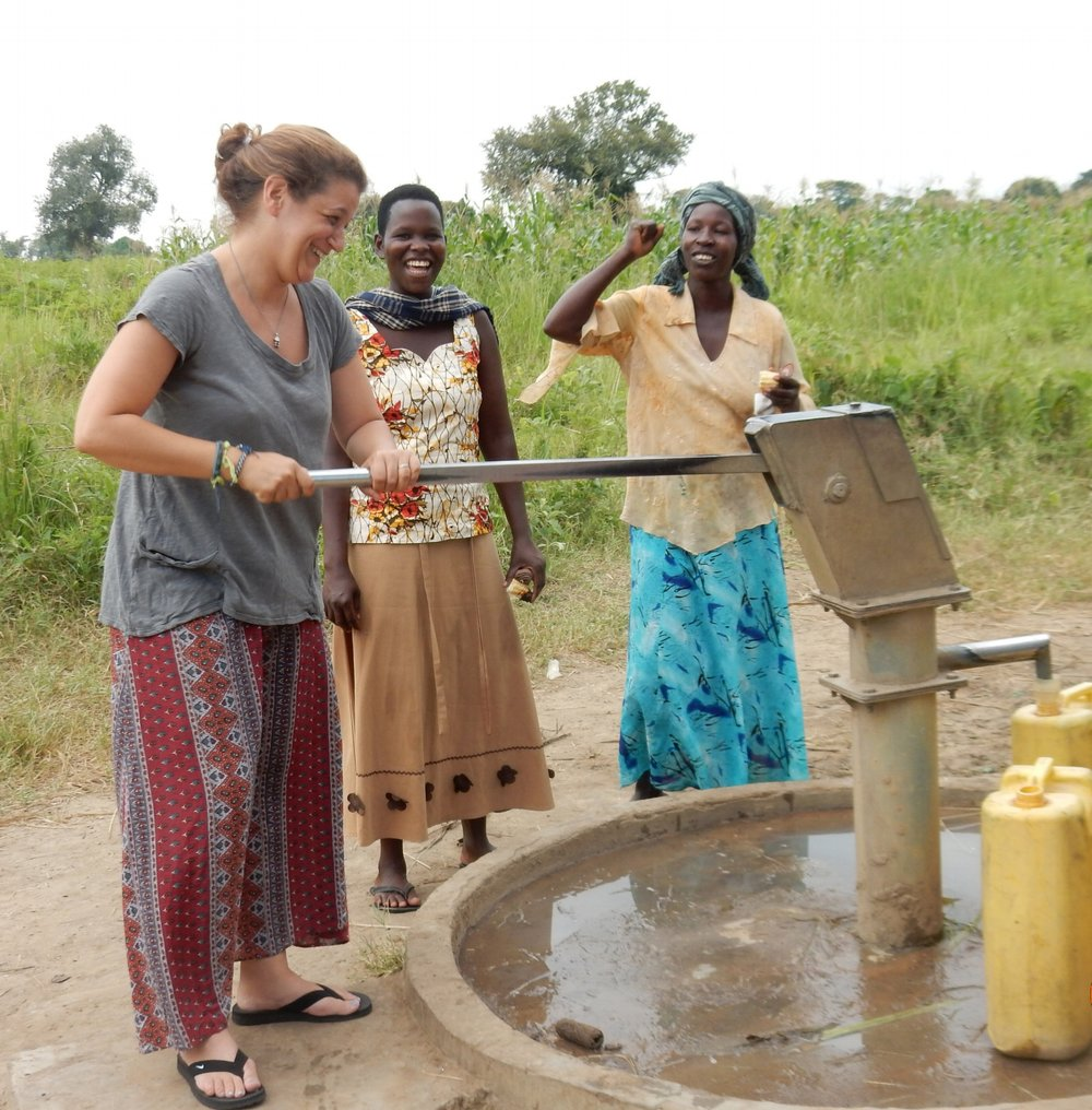 krma-USPartners' Christine Poulon taught to pump water