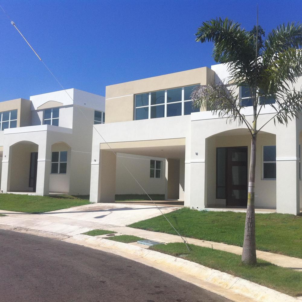 $6,000,000 - Equity Investment  61 Single Family Homes  Arecibo, PR