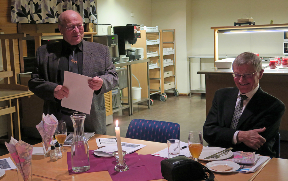 To av veteranene i forvaltningen av villreinstammen i Forollhogna, Jon J. Meli (til venstre) og Ola Arne Aune. Foto: A. Nyaas