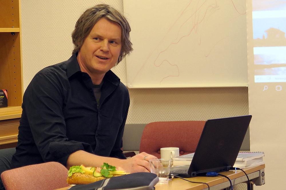 Vegard Gundersen fra NINA har ledet ferdselsprosjektet i Forollhogna siden starten i 2013. I går presenterte han de siste resultatene for styringsgruppa i et møte på Tynset. Foto: A. Nyaas