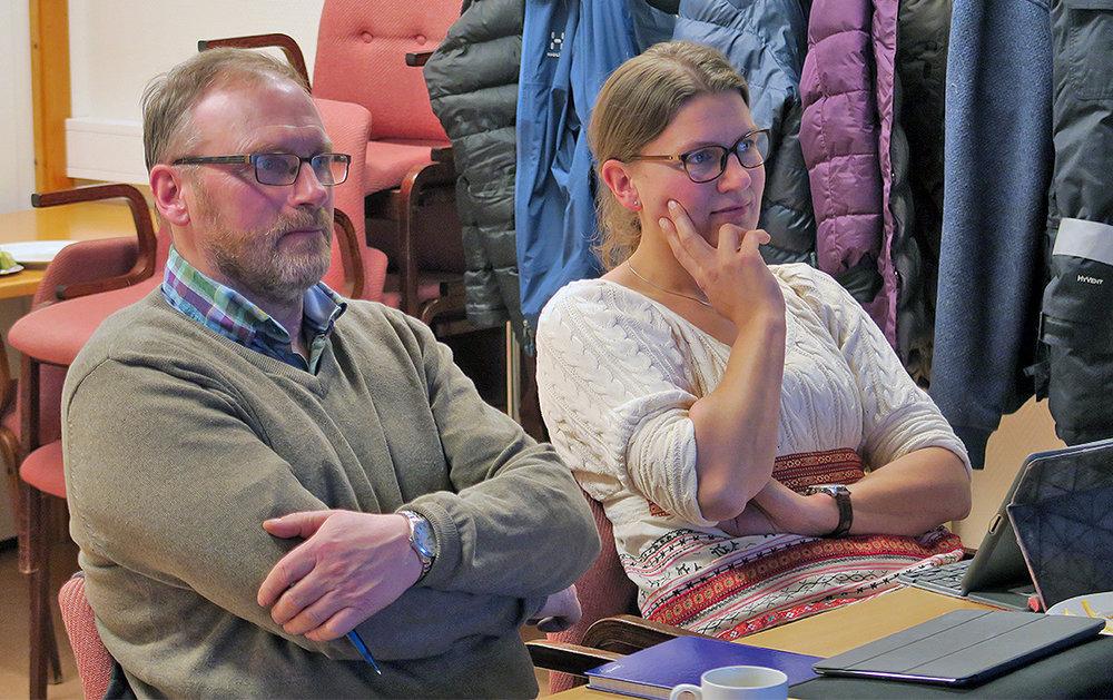Per Ousten, leder i villreinnemnda og leder i prosjektgruppa, sammen med Kjersti Ane Bredesen, landbrukssjef i Tolga kommune. Foto: A. Nyaas