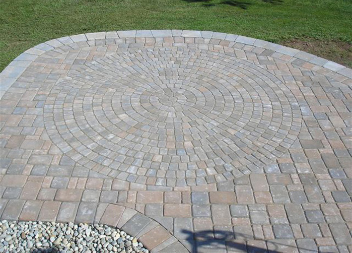 Techo-Bloc Mini Creta Wall & Anchor London Cobble Pavers, with Classico CIrcle