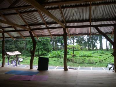 OM viva el momento yogashala