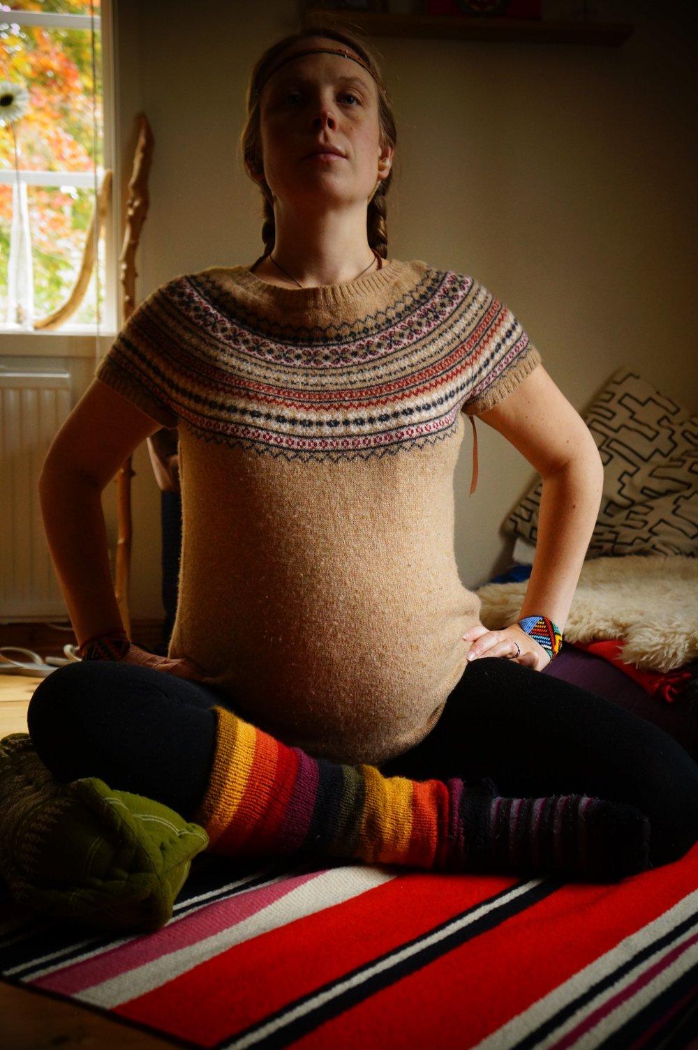 Yoga och meditera under graviditeten stärker kropp och sinne och förbereder inför förlossningen