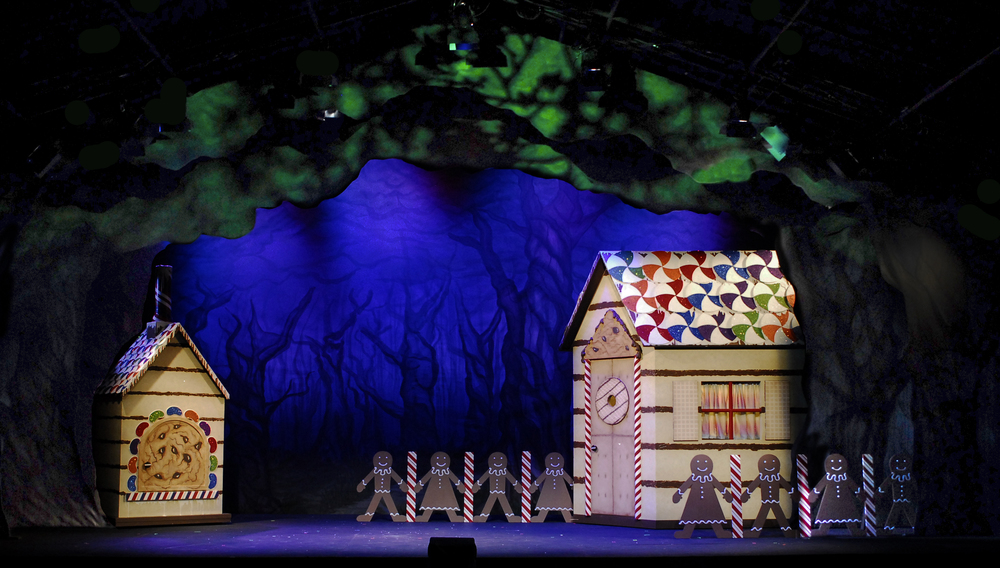 Hansel and Gretel Full Stage.jpg
