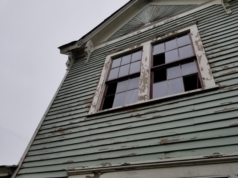Exterior 4.jpg