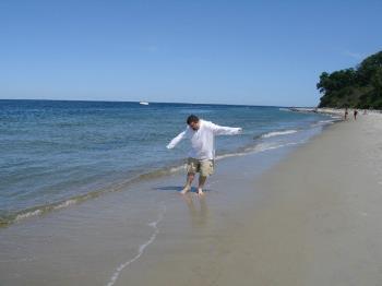 beachdance2.jpg