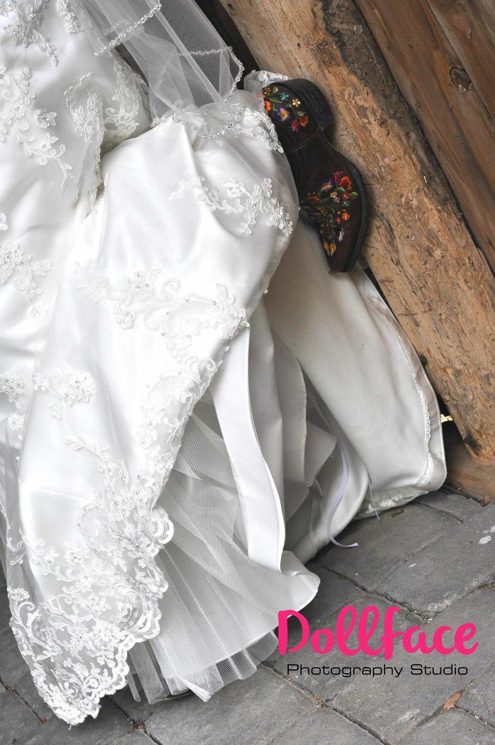 bride boots web logo.jpg