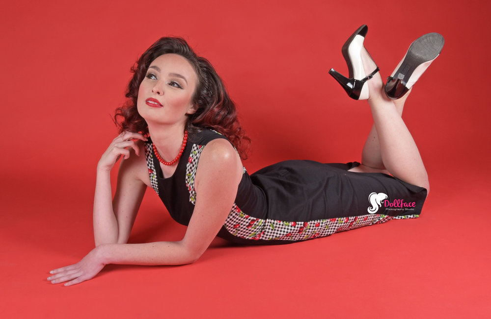 - Unedited pinup shot