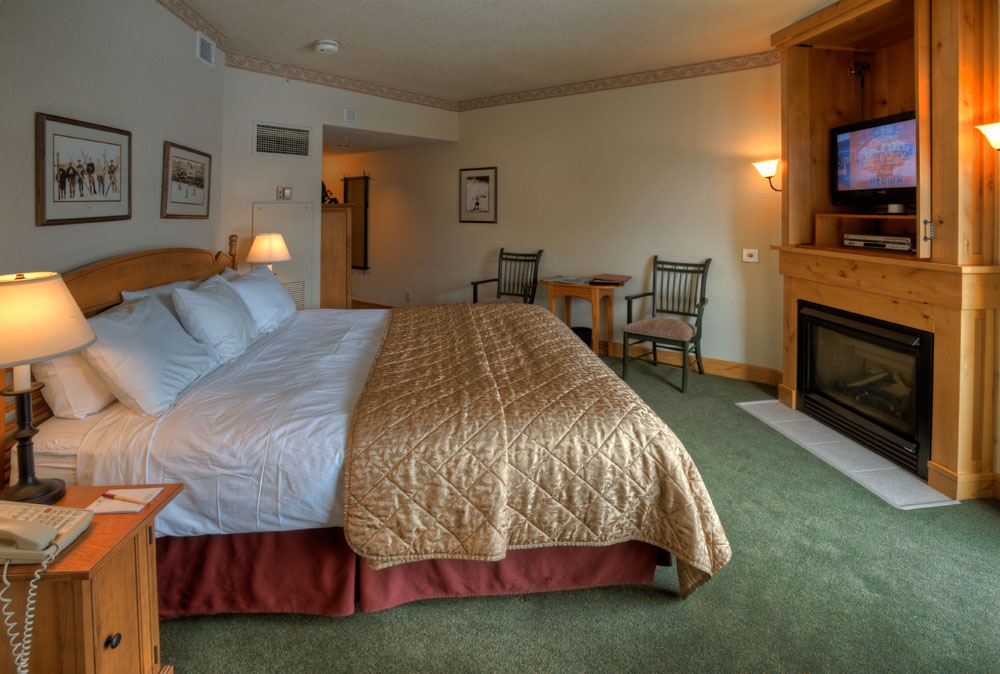 2 Bedroom/2 Bath Condo - King Bed with Fireplace | Lodging in Steamboat Springs, Colorado