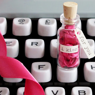 Pink+Kiss+on+typewriter.jpg