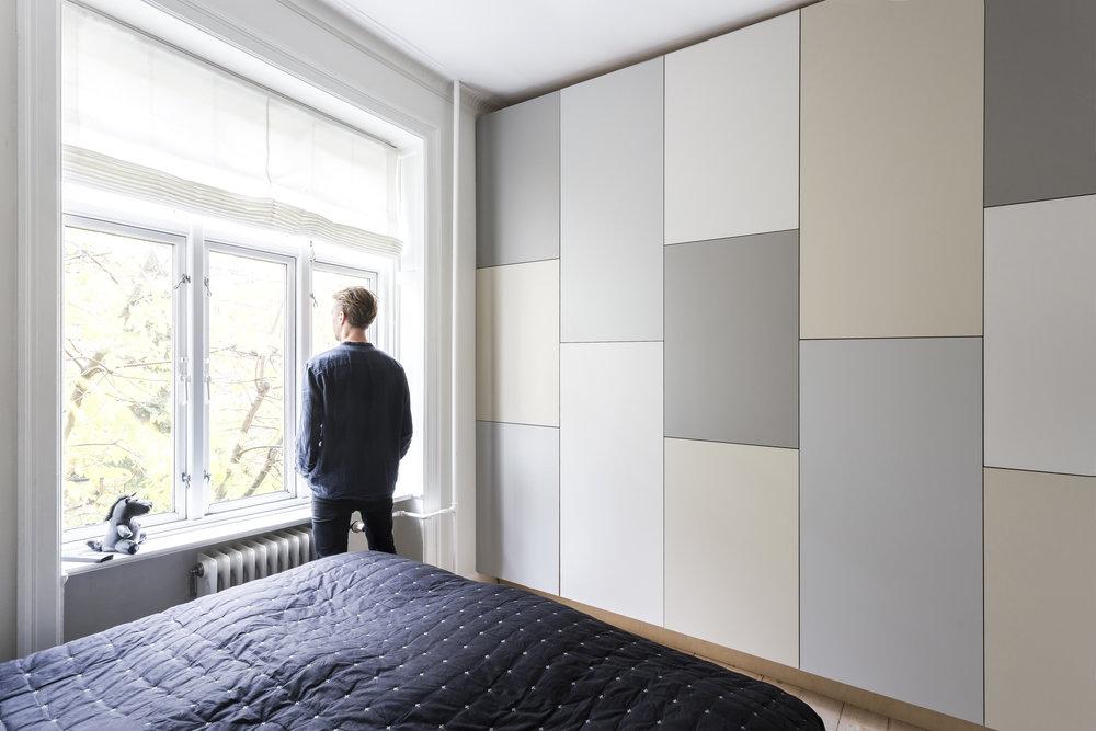 Det rumlige garderobeskab: Væg til væg opbevaring — Stay Project ...