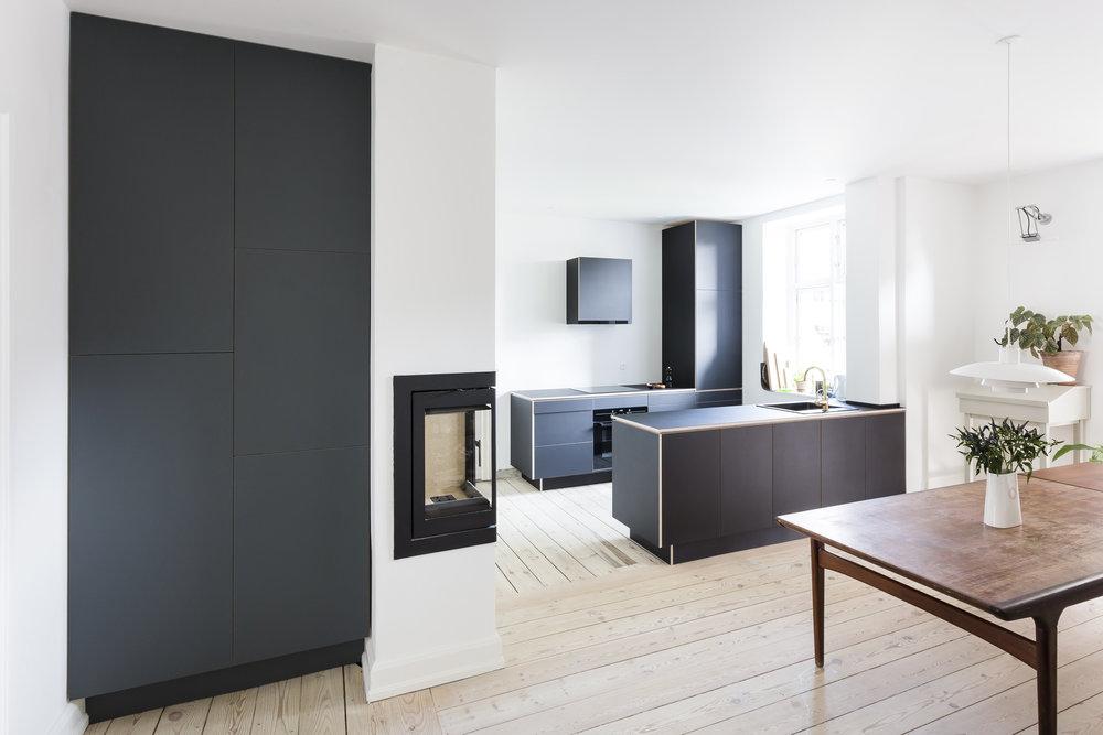 0436-m2h1-closet-wardrobe-built-in-pewter-linoleum-minimal-stay-project-2500x.jpg