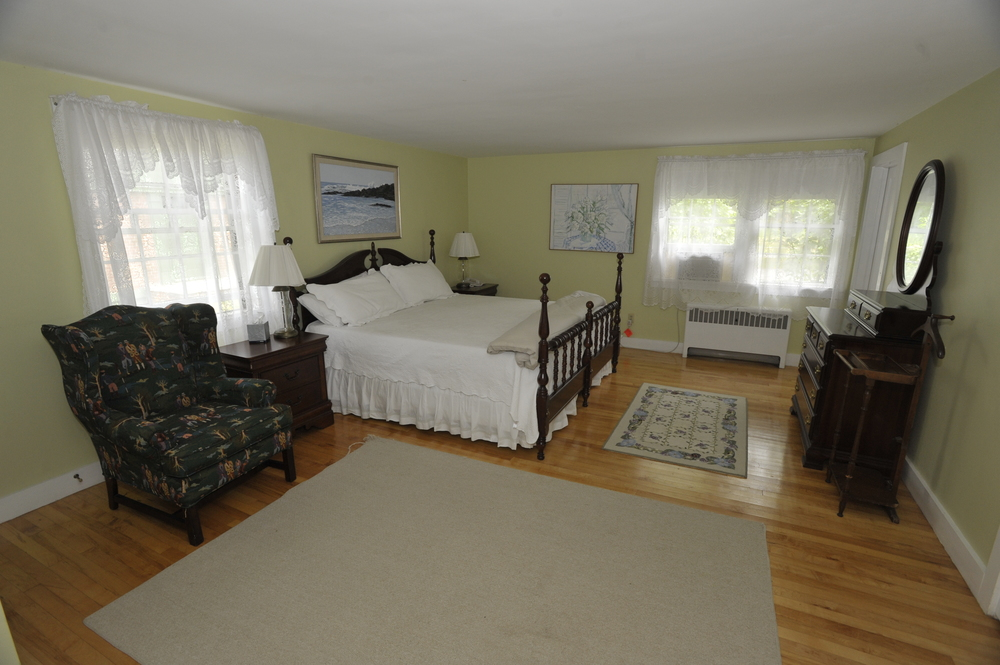 Innkeepers' Cottage, Room 22