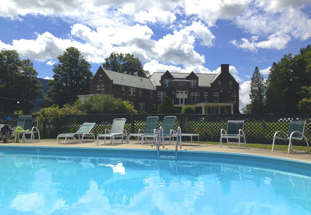 Wilburton Inn Pool & Tennis Club