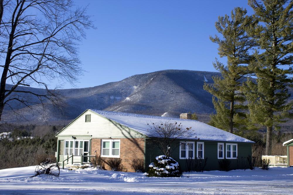 innkeepers cottage winterVT.jpg