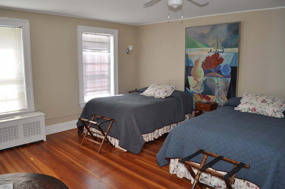 Bedroom 1:2 double beds and a pull out king size sofa, plus a sitting room,378 sq. ft,